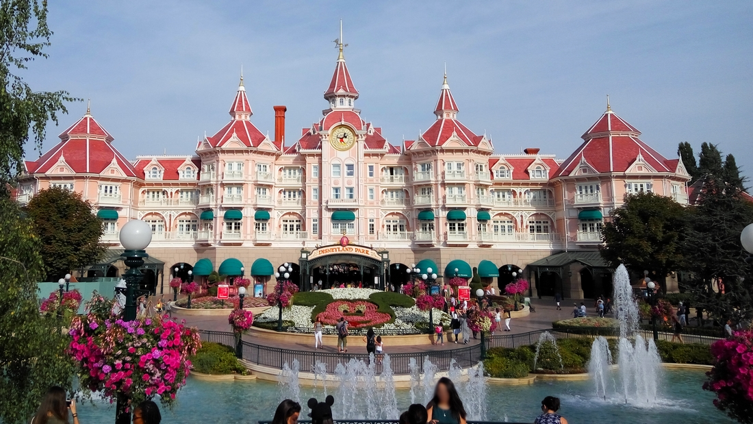Disneyland Hotel Paris Images